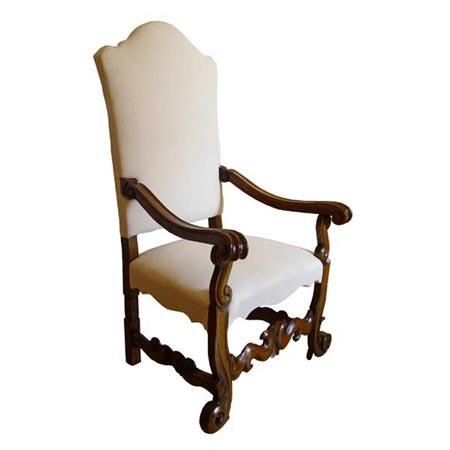 Schöner Armlehnstuhl
