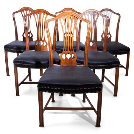 Esszimmerstühle nach Chippendale, England um 1800