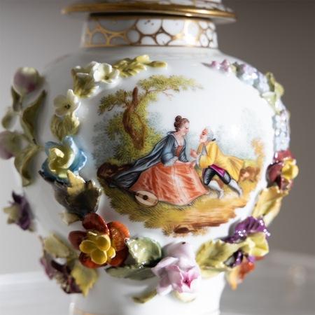 Porzellan Deckelvase um 1900