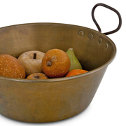 Messingschale mit Steinfrüchten, 19./20. Jahrhundert