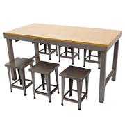 Industrial-Style Tisch mit Hockern, 1970er