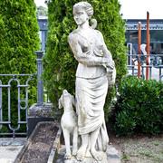 Gartenfigur der Römischen Göttin der Jagd, 20. Jahrhundert