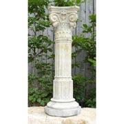 Säule mit korinthischem Kapitell