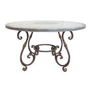 Tisch mit Eisengestell